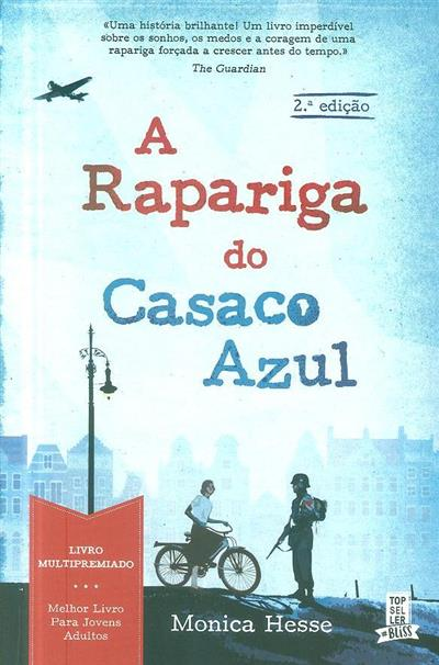 A rapariga do casaco azul