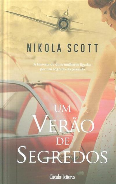 Um verão de segredos (Nikola Scott)